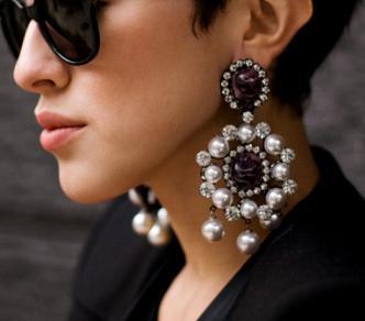 statement-earrings