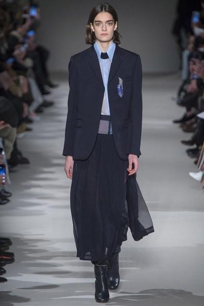 VICTORIA - suit
